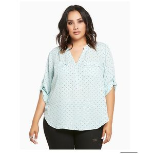 Torrid • polkadot Georgette top in mint green